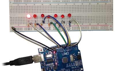 Salidad digitales en Arduino. Efecto luces del coche fantástico