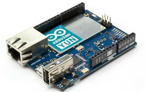 Placa Arduino YUN, incorpora un Microprocesador MIPS con un Sistema Operativo Linux embebido