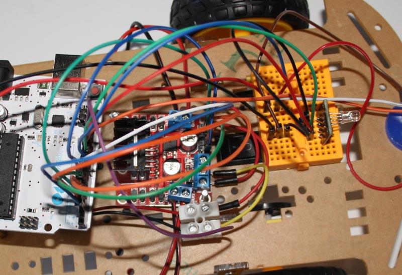 Se añade el modulo Led RGB y su cableado