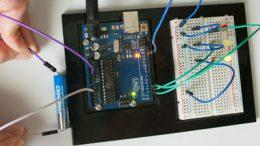 Medidor de carga para pilas, Arduino