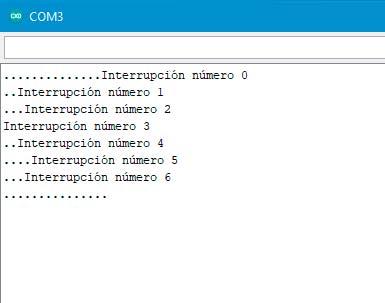 Captura del monitor serial contando las interrupciones