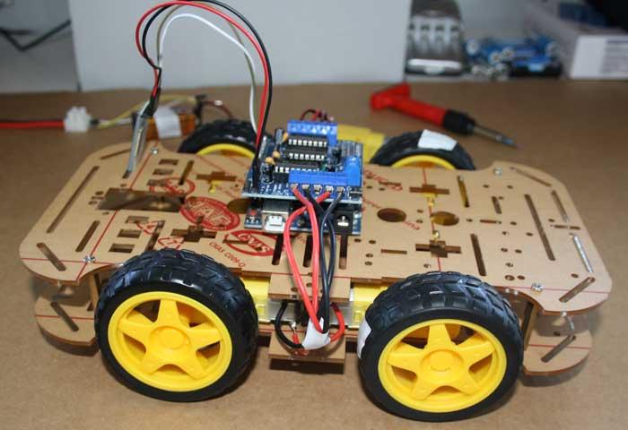 Robot Arduino casi terminado