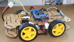 Robot Arduino controlado por bluetooth, con 4 ruedas